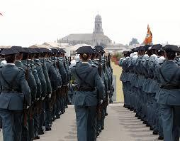 Uni n oficiales cesan al coronel imputado por tr fico de for Oficina trafico sabadell