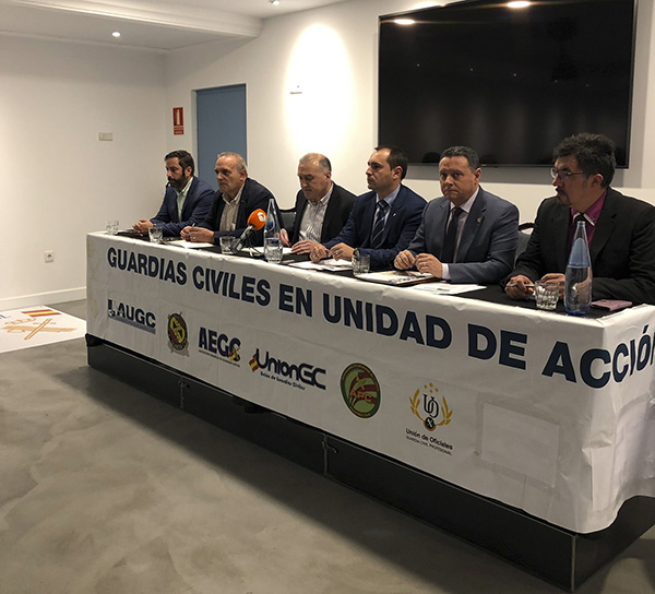 Las asociaciones profesionales de la Guardia Civil anuncian movilizaciones y acciones legales contra Interior por sus engaños con el acuerdo de equiparación