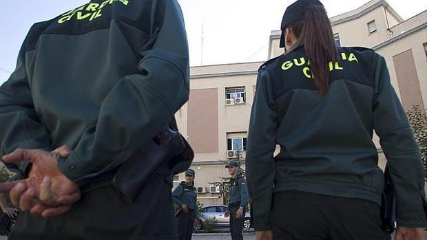 La Guardia Civil: «No tenemos plantilla suficiente pero hay que reforzar lo que otros no hacen»